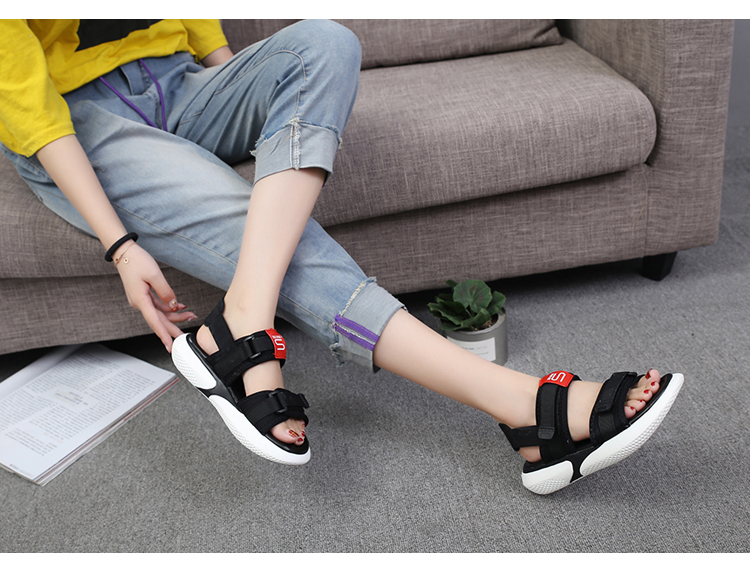 Summer 2018 new flat sandals female students wild magic stickers casual shoes. 64