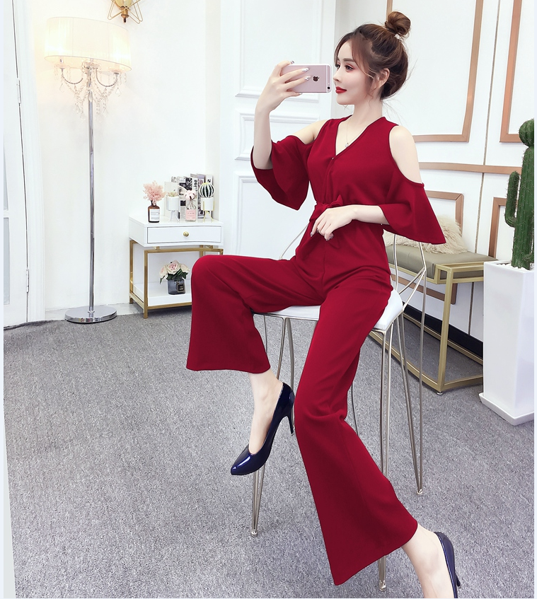 European station yang gas royal sister show high off-the-shoulder jumpsuit female summer high waist reduction relaxed feeling good leisure pants tide