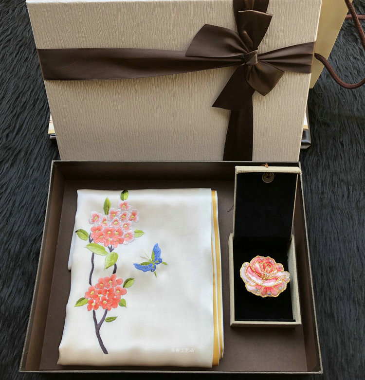 892b84fcf Su embroidery finished new handmade silk silk silk scarf scarf Gift Box Set  mother's Day gift