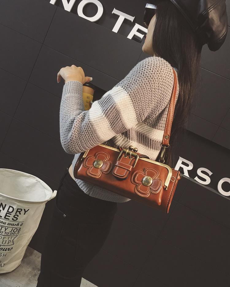 กระเป๋าหนังใบเล็กแฟชั่นเกาหลี ถือได้แบบวินเทจคลัทช์และมีสายสะพายยาว นำเข้า สีน้ำตาล - พรีออเดอร์IS1071 ราคา1350บาท