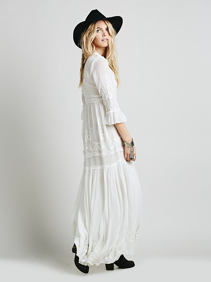 44eedeb7ca84 2019 Hippie Boho 2018 Summer Dresses Beach Floral Embroidery Sexy White  Maxi Dress Long Women Dress Hippie Chic Vestido Robes AH210 From  Clothwelldone