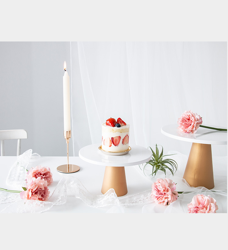 蛋糕盘甜品臺美食高脚託盘拍照道具摄影背景布烘焙展示臺金色详细照片