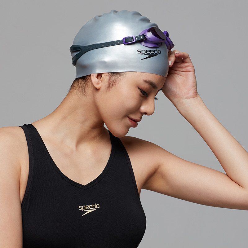 how to put on a speedo swim cap