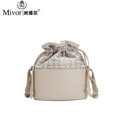 水桶包包小清新女包秋季新款新款小包简约斜挎小洋气包包