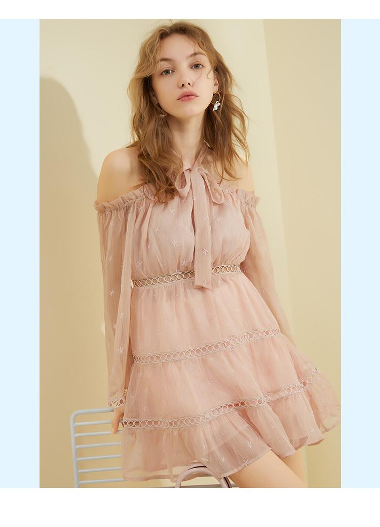 ONEMORE2018夏装新款露肩挂脖连衣裙女镂空雪纺裙子A字短款裙子