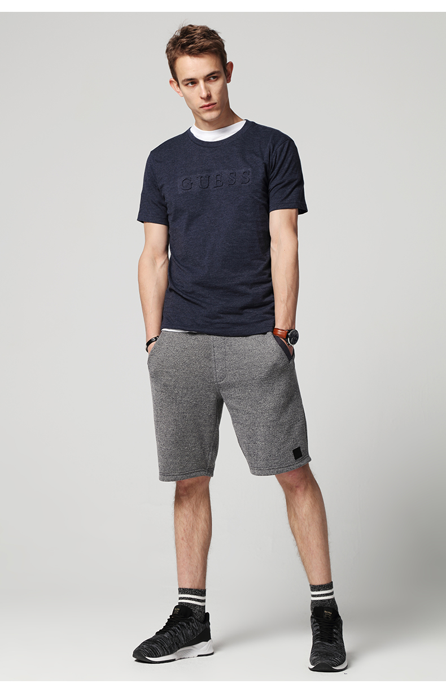 GUESS vài mô hình 2018 mùa xuân và mùa hè của nam giới ba chiều nổi LOGO ngắn tay T-Shirt-MI2K8432K