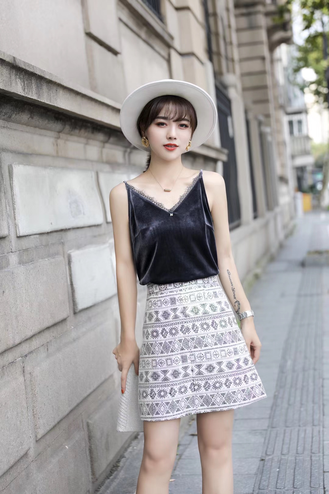 丝绒扣MGK新2020欧洲站性感蘑菇背心内搭外穿女人味现货吊带女