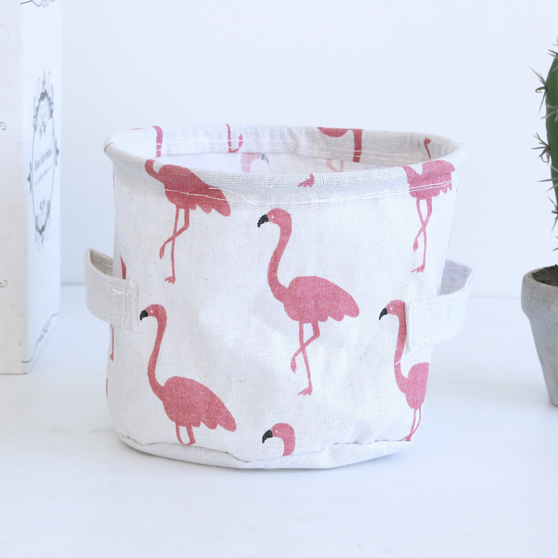 White flamingo (round)