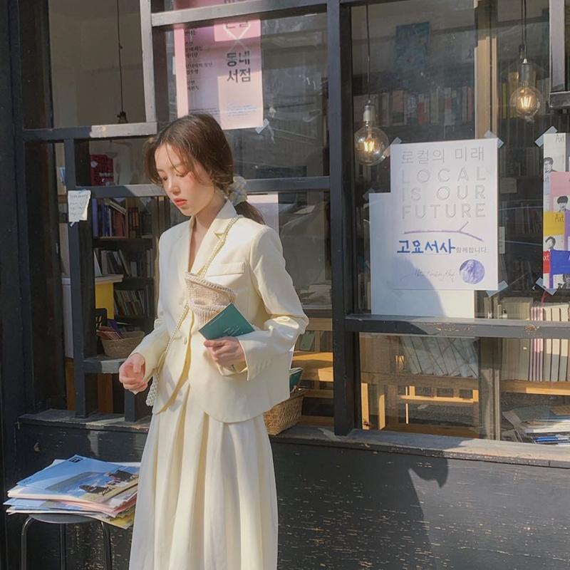 2019秋季新款网红小西装外套女韩版宽松小香风西服百褶裙两件套装