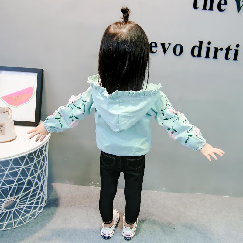 。女童风衣春秋连帽外套1-2-4岁婴儿刺绣童装公主长袖开衫3女宝夹