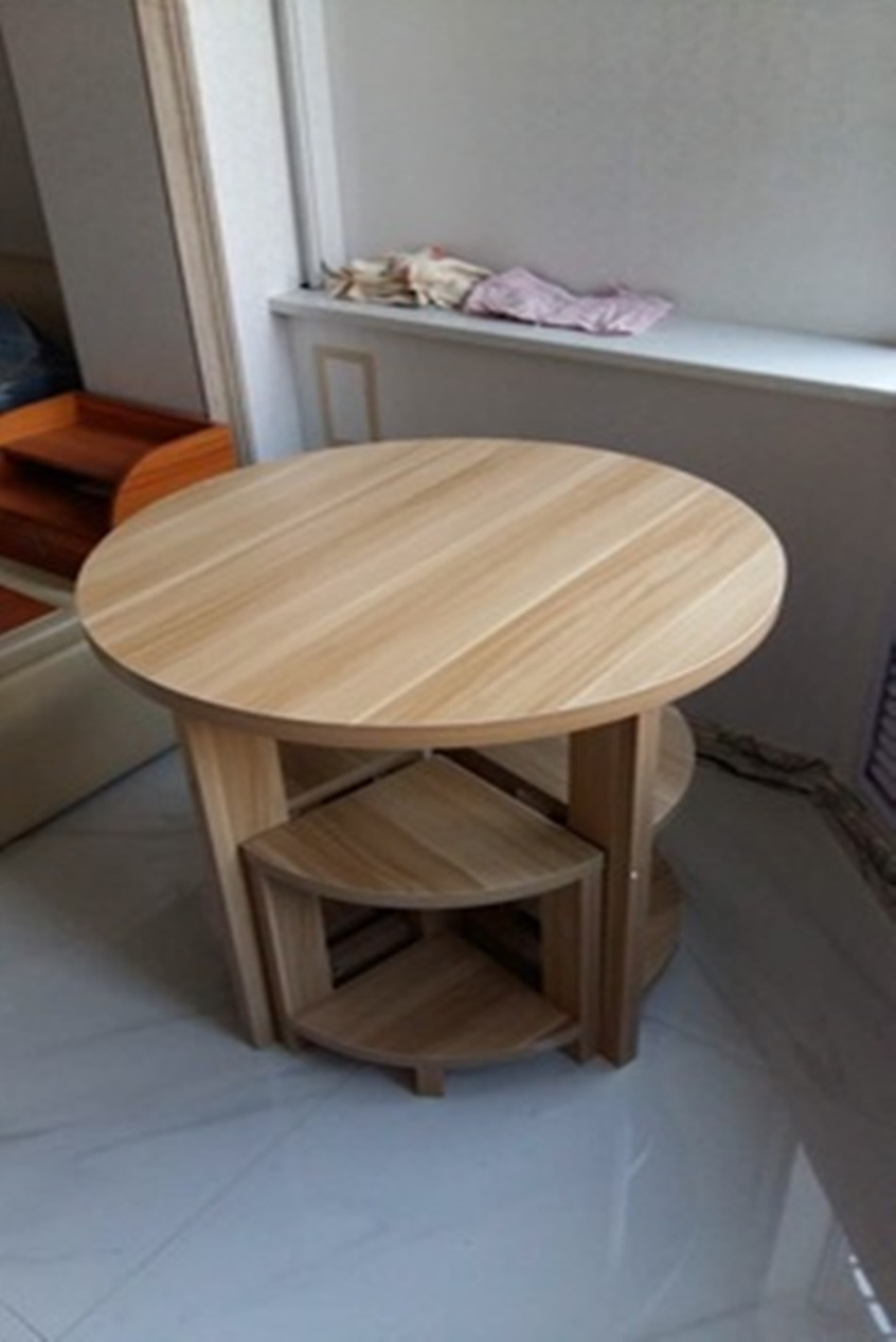 Round Dining Table To Discuss Reception Small Apartment Chair Simple
