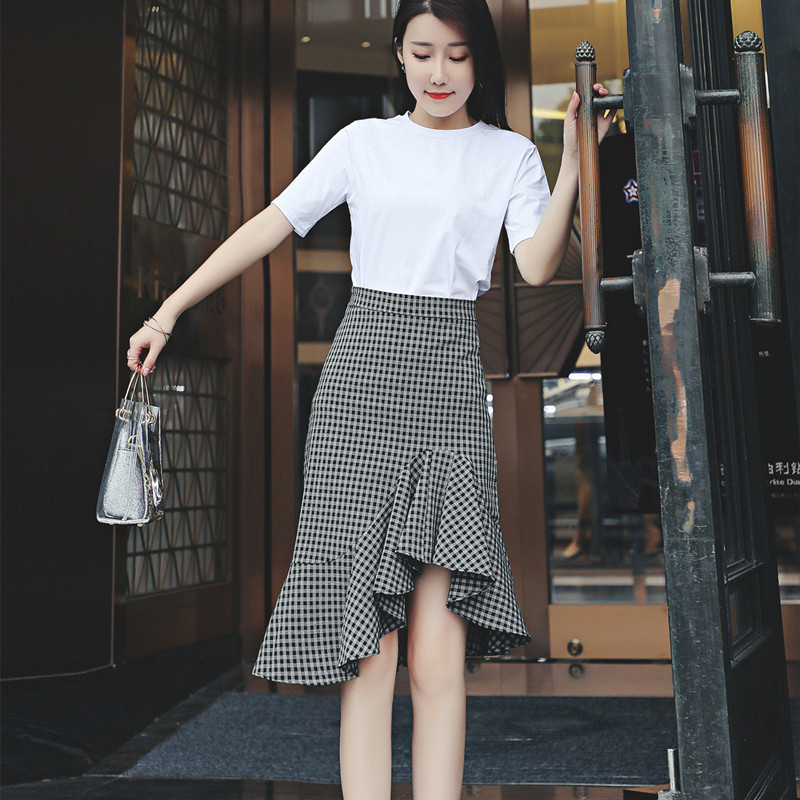 不规则格子鱼尾半身裙女春2019新款中长高腰A字显瘦荷叶边包臀裙