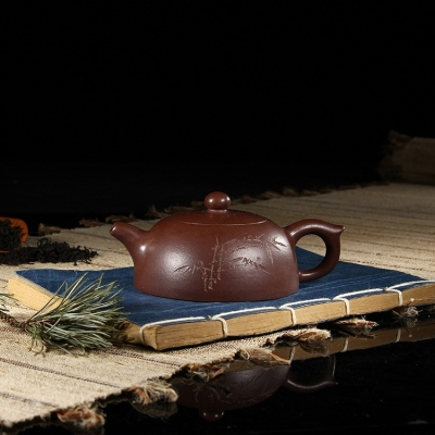 Yixing Gongfu tea set 140ml small bamboo pot, carved half-moon style, handmade from raw ore purple clay