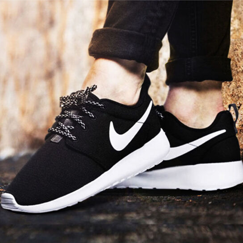 7a69372dd1e84 Nike Roshe One men and women black and white casual running shoes sports  breathable running shoes 511881-010