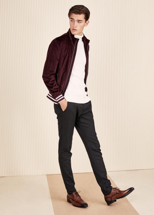 英伦布洛克雕花皮鞋,展现优雅绅士格调