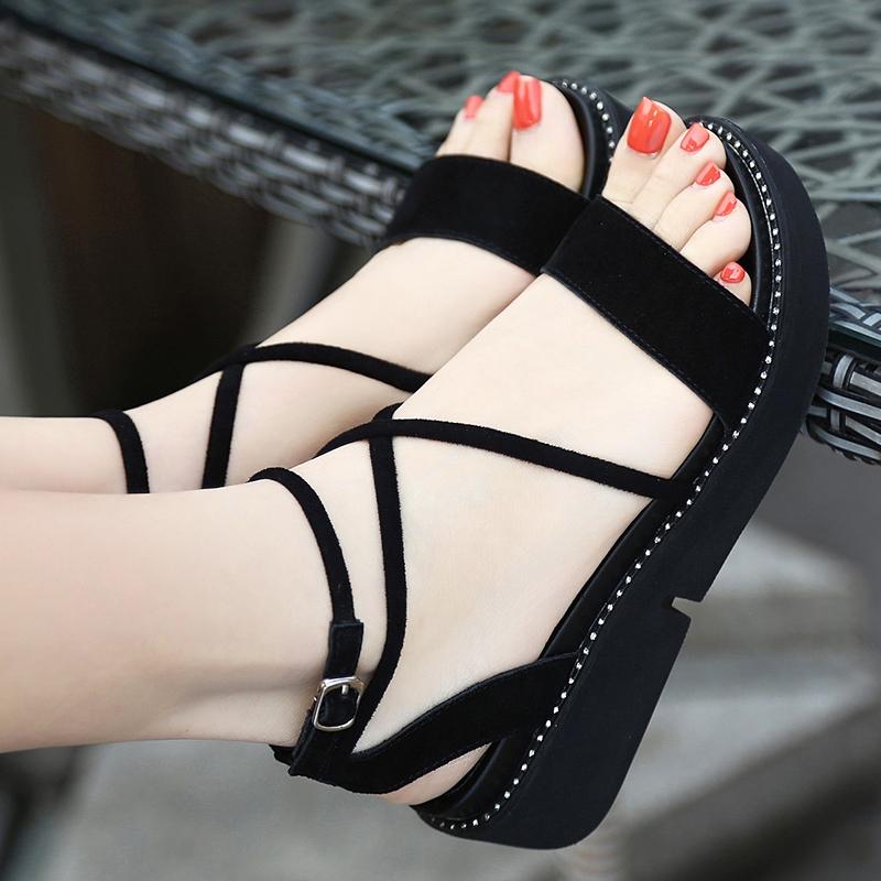 2018夏新款大码40-43码凉鞋厚底凉鞋韩版v凉鞋松糕罗马坡跟绑带女