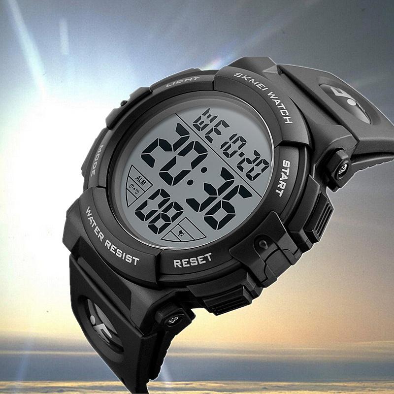 时刻美多功能运动男表防水计时游泳男士腕表学生电子表大数字1258