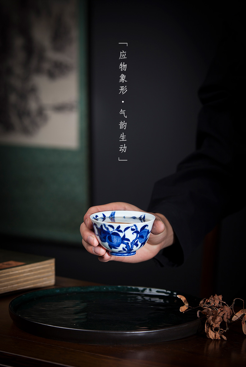 Holy big blue and white peach grain ceramic kunfu tea cup pure hand - made master cup sample tea cup all hand of jingdezhen tea service