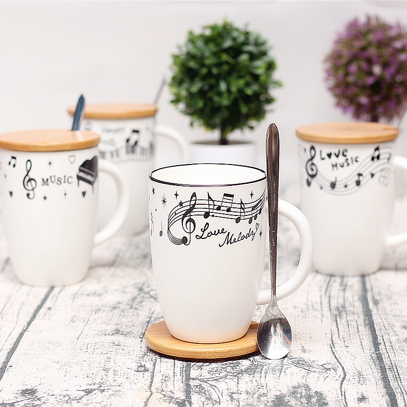 Campus black and white creative note cup wooden cover ceramic cup gift male and female music couple cup.