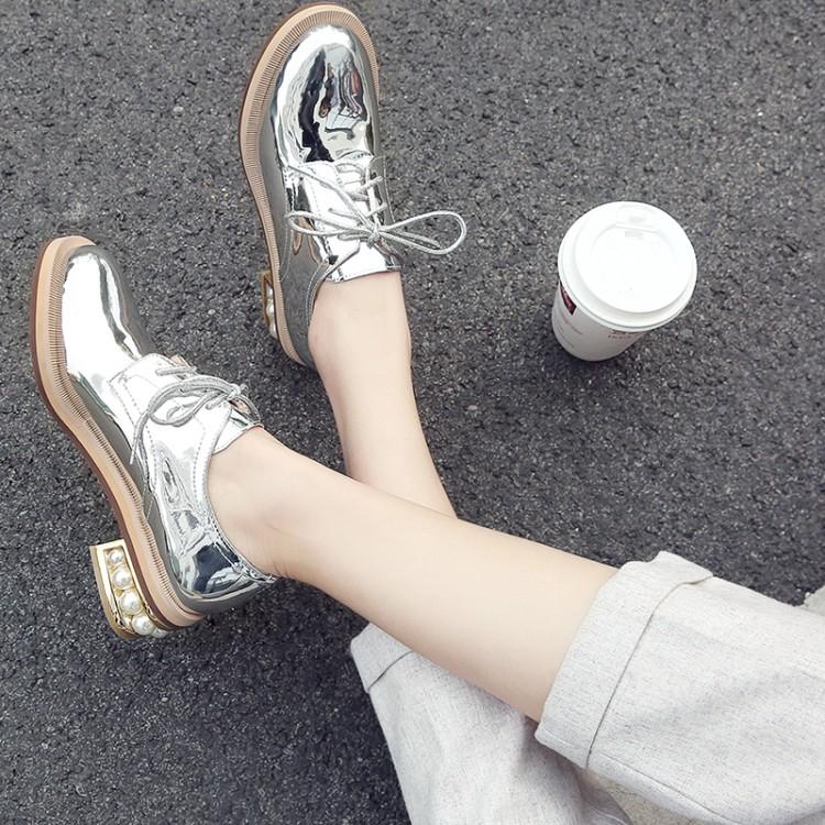 真皮中跟单鞋学院风银色镜面亮漆皮珍珠跟系带粗跟女鞋学生小皮鞋