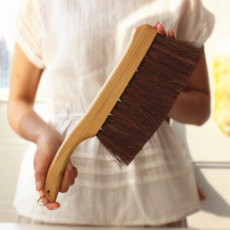 Sweeper brush broom dusting clean wooden handle sofa anti-static broom artifact artifact brown silk broom hair palm