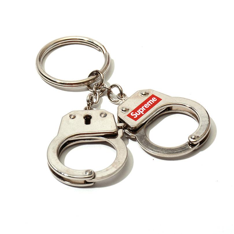 ~Supreme 17FW Hand新cuffs Key新chain 潮牌手銬 鑰匙扣 鑰匙圈 裝飾掛件