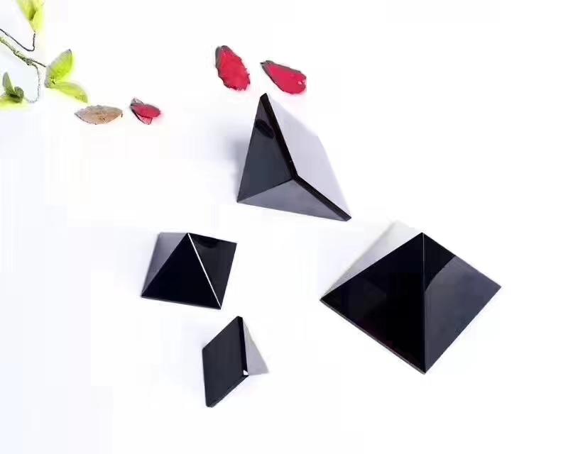 天然水晶黑曜石金字塔神秘能量  鎮宅僻邪防小人擺件標價為基本價,具體咨詢賣家
