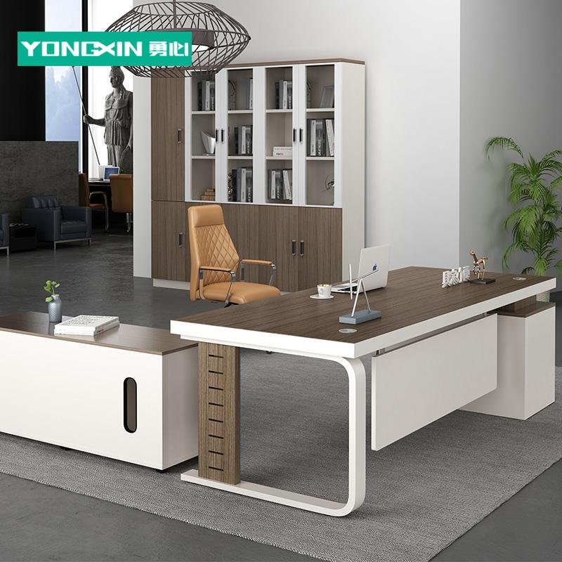 老板桌广州办公经理简约现代板式大班台主管桌老板桌家具办公桌椅