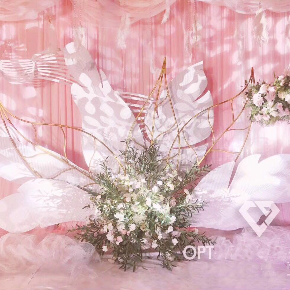 Wedding Ceiling Decoration Plastic Peacock Feather Hotel Wedding Stage Aerial Layout Props Home Decoration Simulation Feather Wind Chimes & Hanging Decorations