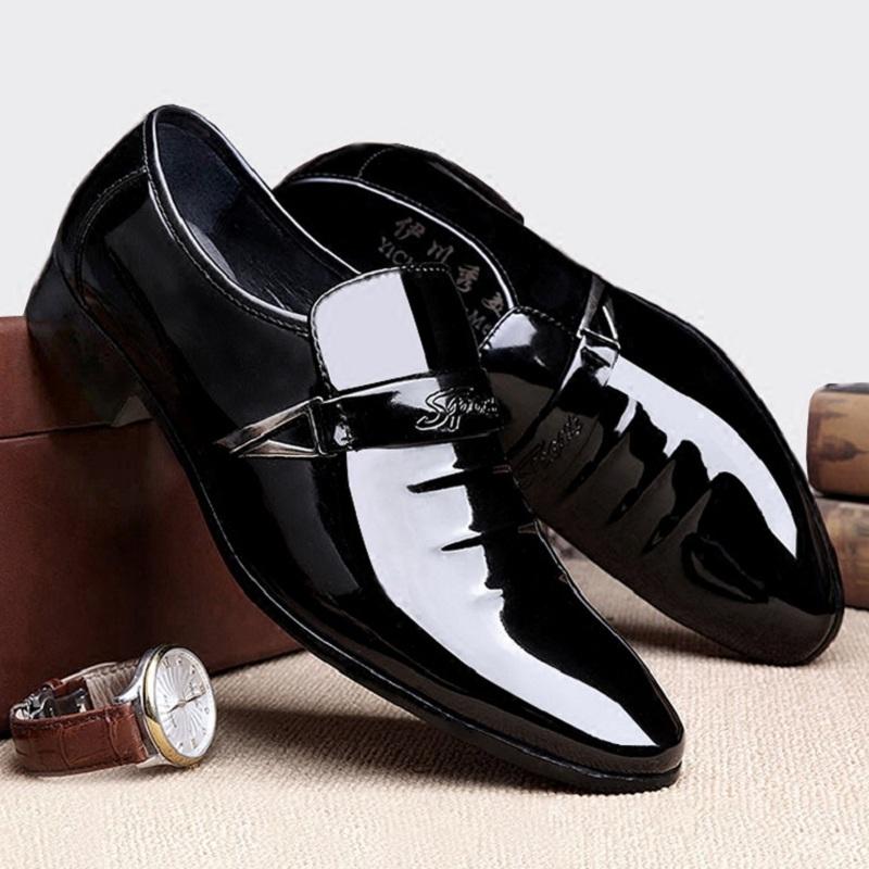 冬季新款尖头皮鞋男青年韩版英伦时尚潮男鞋男士商务套脚休闲皮鞋
