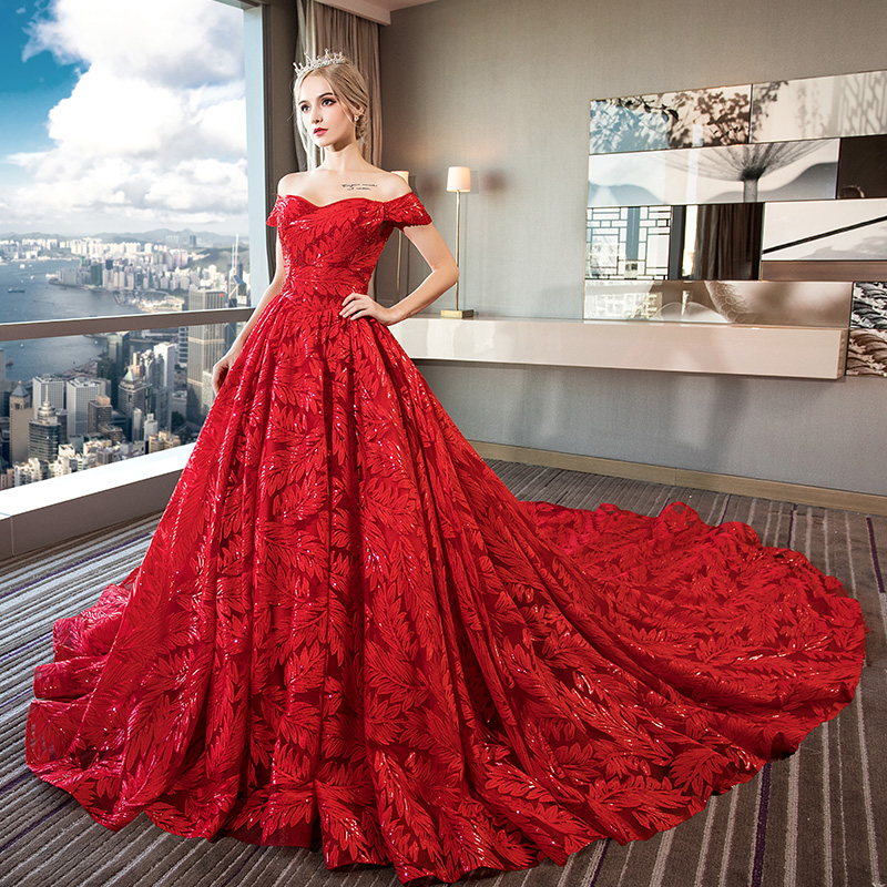 d7681e2909b32 A word shoulder wedding dress 2019 new bride wedding pregnant women Network  red vibrating Red large size female Sen tail