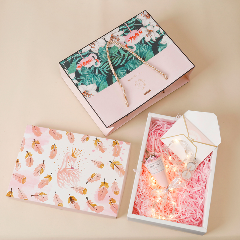 Large feather gift box + shredded paper + gift bag + bouquet + greeting card + light