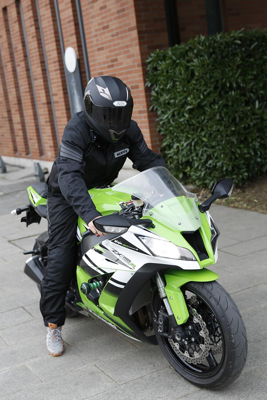 什么摩托赛车好_摩托车骑行服防摔拉力选什么牌子好 同款好推荐