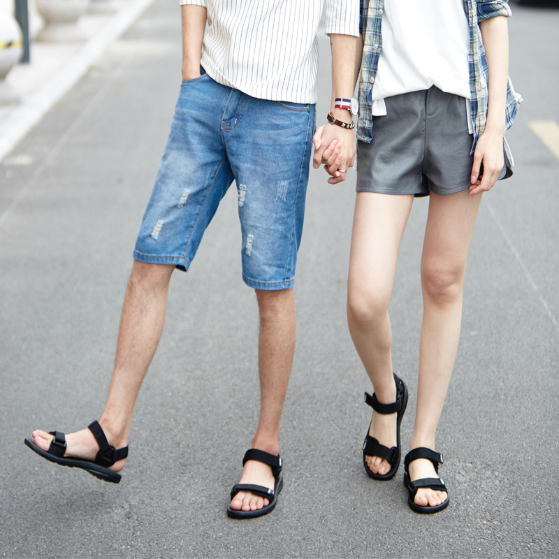 fe916f9b2869 Men s sandals 2018 new couple sandals female Korean version of the tide  Rome flat student sports casual Vietnamese beach shoes