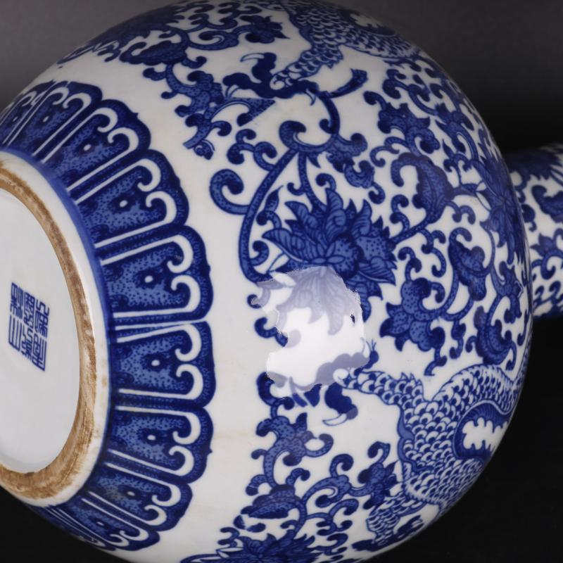 The Qing qianlong in blue and white dragon tree decal antique porcelain household of Chinese style furnishing articles old goods collection process
