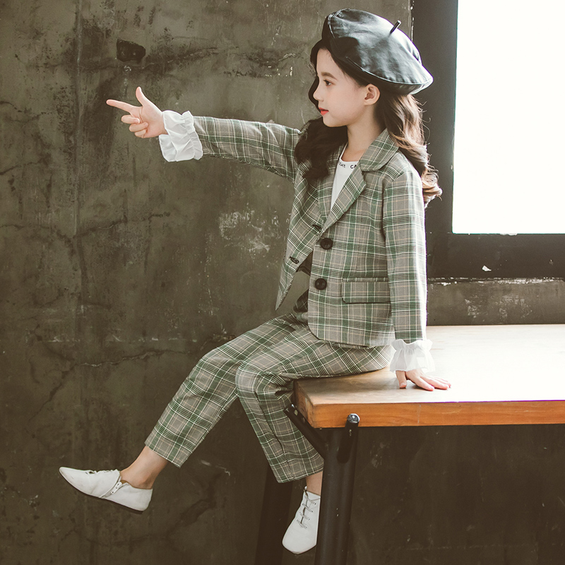 Girls' suit suit 2020 new children's net red Korean version of the foreign style autumn dress little girl plaid suit two-piece set.