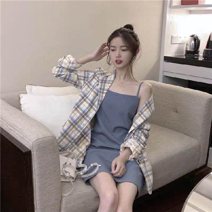 璩绒春秋新款时尚套装女韩版港味西装格子外套小吊带两件套ins潮