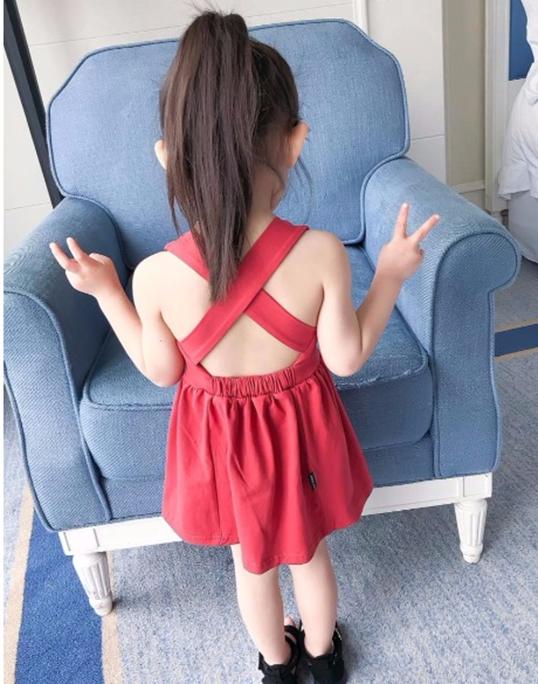 宝宝黑色个性裙夏装女童裙子背心一3二4三5四五岁儿童露背连衣裙