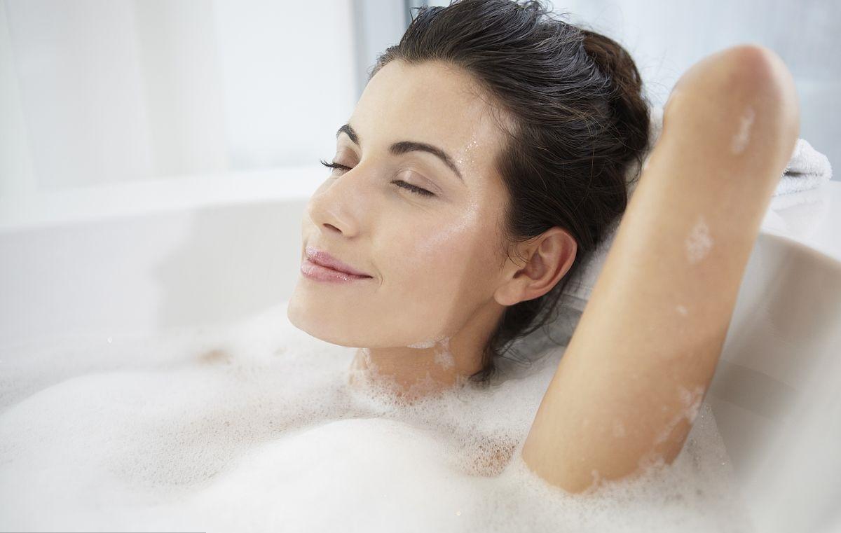 """日本这只花洒——洗澡时能喷出""""美容液"""""""