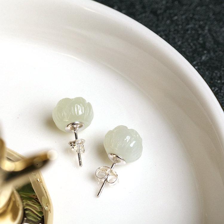 Southern Southern pure silver ancient jewelry handmade Hetian jade female national culture quality ear-raising jade earrings Lotus ear needles