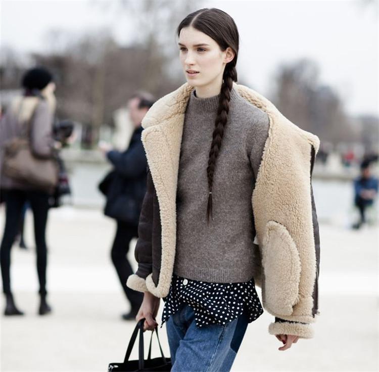 冬天怕冷?这些时髦保暖的外套轻松搭配17