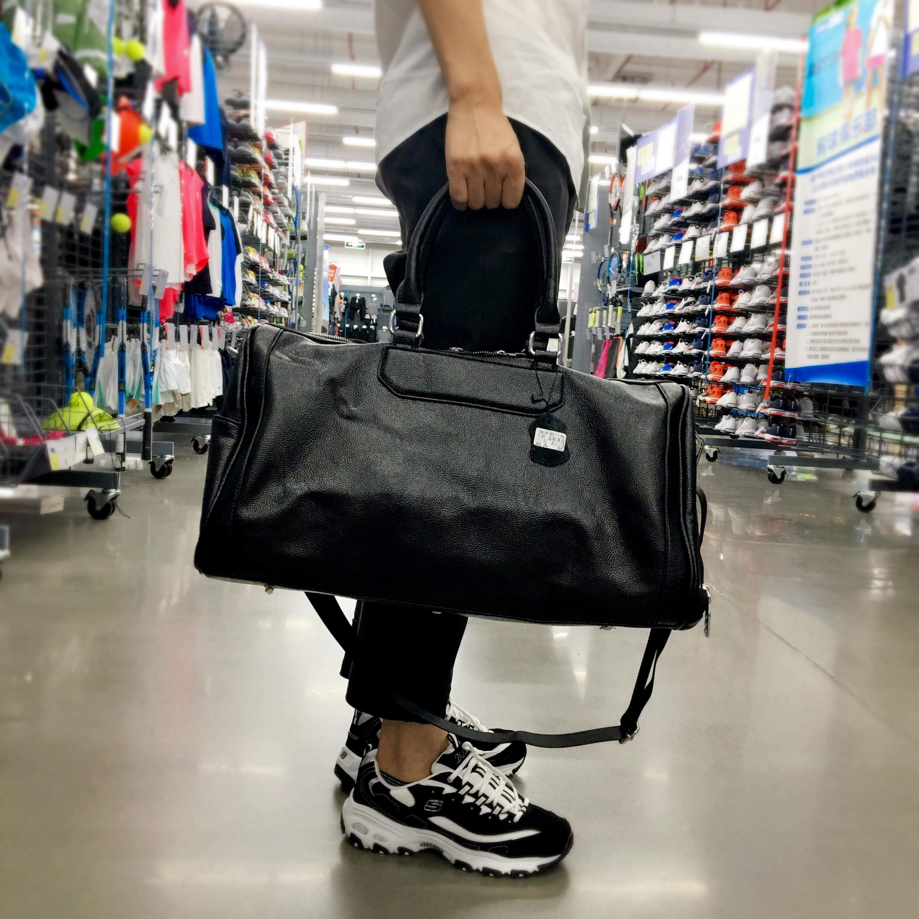 กระเป๋าเดินทางไปเที่ยวฟิตเนสสะพายและถือสายยาวได้ใบใหญ่มีช่องใส่รองเท้าแฟชั่น นำเข้า สีดำ - พรีออเดอร์BB0178 ราคา3900บาท