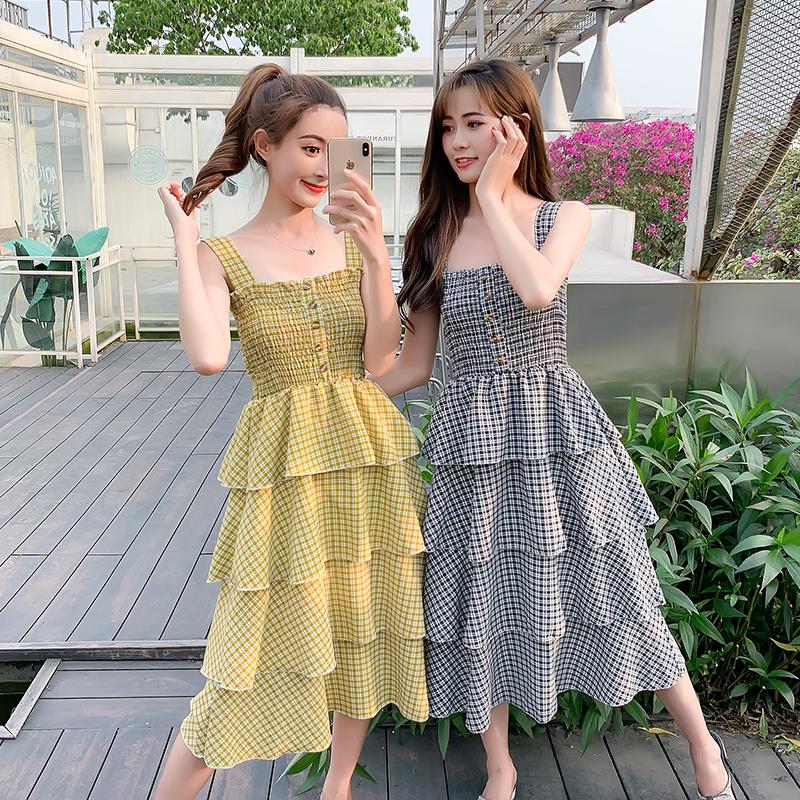 2019夏季新款韓版壓褶木耳邊修身高腰中長款蛋糕裙格子吊帶連衣裙