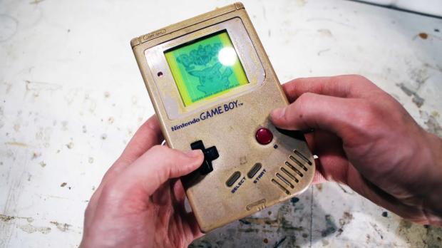 老式掌上游戏机