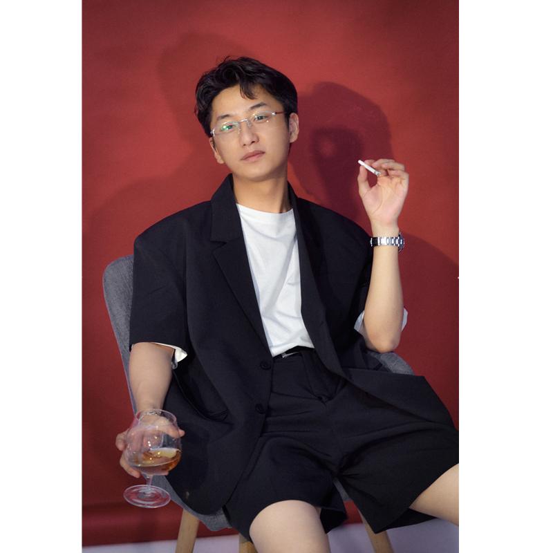 He Ji Phong cách Hồng Kông / Phong cách Retro Hồng Kông Mùa hè Chất lượng mới Lỏng chống nhăn mỏng tay áo ngắn phù hợp với áo khoác - Cao bồi