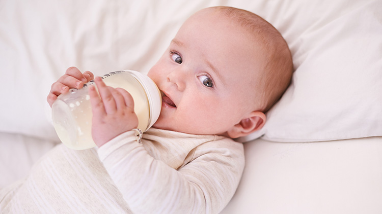 宝宝不爱喝奶什么原因?问题可能出在这儿5