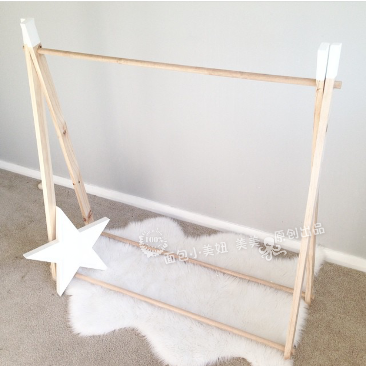 Custom ins Nordic wind children's room simple floor hangers clothes racks clothes display stand shooting props
