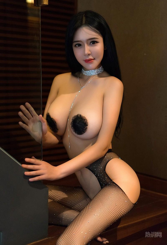 大眼翘乳美女刘钰儿透视情趣内衣写真