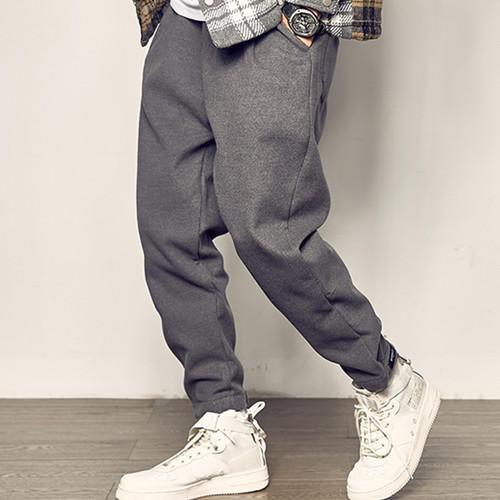 男生穿裤子想要保暖又时髦?试试这三款