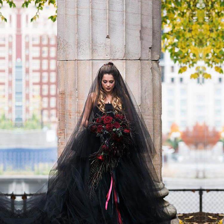 寫真頭紗 黑色頭紗加皇冠萬圣節拍照道具短款復古暗黑新娘新款頭飾寫真cos
